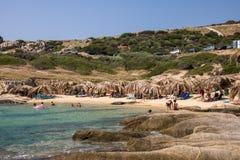 在希腊半岛Sithonia的美丽的Tigania海滩 免版税库存照片