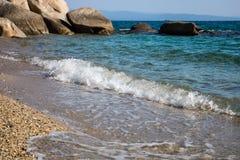 在希腊半岛Sithonia的Fava海滩 免版税库存图片