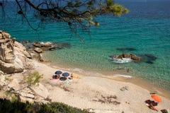 在希腊半岛Sithonia的Fava海滩 免版税图库摄影