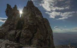在希腊山的惊人的岩石 免版税图库摄影
