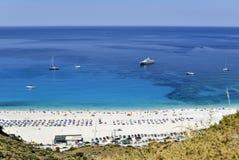 在希腊海岛上的海滩 免版税库存照片