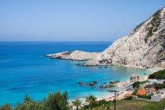 在希腊海岛凯法利尼亚岛上的Petani海滩 库存图片