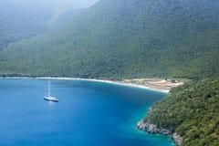 在希腊海岛Kefalonia上的Antisamos海滩 库存图片