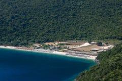 在希腊海岛Kefalonia上的Antisamos海滩 免版税库存照片