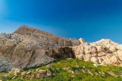 在帕台农神庙雅典卫城考古学Plac附近的细节 免版税库存图片