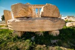 在帕台农神庙雅典卫城考古学Plac附近的细节 库存照片
