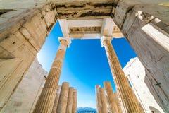在帕台农神庙雅典卫城考古学Plac附近的细节 免版税库存照片
