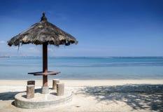 在帝力附近的Areia branca热带海滩视图在东帝汶 免版税图库摄影