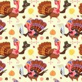 在帽子的无缝的样式动画片感恩火鸡字符有收获的,叶子,橡子,玉米,秋天假日鸟 免版税图库摄影