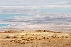 在干燥死海,以色列,马萨达制地图的fron的鸟瞰图 免版税库存图片