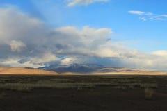 在干草原的改变的天气 库存照片