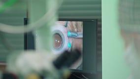 在干预内的Ophtalmology外科医生 免版税库存图片