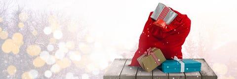 在平台的圣诞节礼物 免版税库存照片