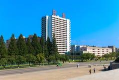 在平壤,北朝鲜街道上的房子  库存图片