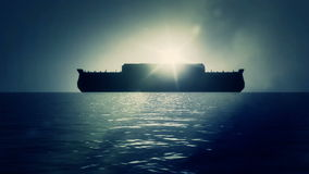 在平安地漂浮在水的伟大的洪水以后的诺亚平底船 股票录像