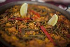 在平底锅的肉菜饭 免版税库存图片