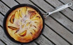 在平底锅的荷兰薄煎饼 图库摄影