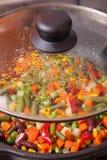 在平底锅的鲜美菜 免版税图库摄影