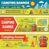 在平的样式设计趋向设置的夏天野营的-山远征冒险-传染媒介装饰横幅 皇族释放例证