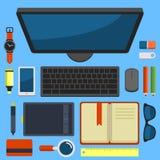 在平的设计传染媒介的办公室工作场所顶视图 免版税库存图片