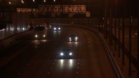 在平衡的录影的繁忙的城市高速公路 股票视频