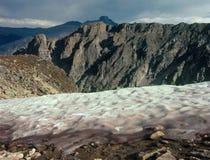 在平顶山山顶和Hallett之间的Tyndal冰川锐化,大陆分水岭,洛矶山国家公园,科罗拉多 库存图片