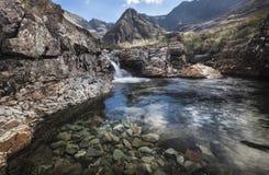 在幽谷的神仙的水池易碎在斯凯岛在苏格兰 库存图片