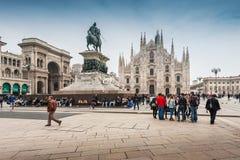 在广场中央寺院正方形的维托里奥Emanuele纪念碑 库存照片
