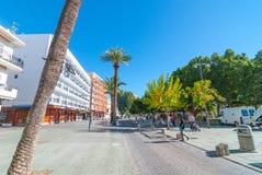 在广场, Sant安东尼de Portmany,伊维萨岛,西班牙温暖晴天 免版税库存照片