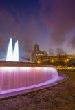 在广场de Catalunya的喷泉在巴塞罗那,西班牙 图库摄影