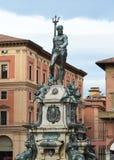 在广场del聂图诺,波隆纳,意大利的海王星喷泉 库存照片