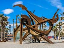 在广场Del Mar的雕塑在巴塞罗那 免版税图库摄影