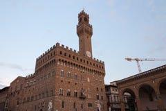 在广场della Signoria的Palazzo Vecchio在佛罗伦萨 免版税库存照片