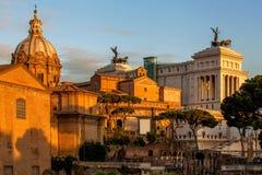 在广场Venezia的Vittoriano大厦在罗马,意大利 免版税库存图片