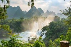 在广西省中国的Detian瀑布 图库摄影