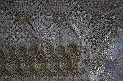 在庄严阿梅尔堡垒墙壁上的玻璃工作在斋浦尔拉贾斯坦印度 库存图片