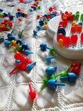 在床罩的多彩多姿的儿童的马赛克 免版税库存照片