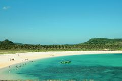 在库塔海滩的美丽的景色在龙目岛NTT印度尼西亚 免版税库存照片