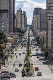 在库里奇巴街道上的交通  免版税库存图片