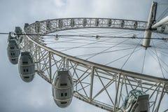 从在底下的伦敦眼 库存图片
