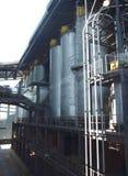在废物的分馏塔对能量转变公园 图库摄影