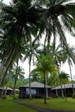 在度假胜地,马来西亚的海滩小屋 免版税库存图片