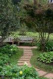 在庭院的椅子 免版税图库摄影