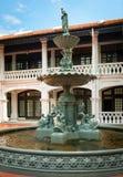 在庭院的装饰喷泉 库存照片