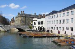 在康河,剑桥的平底船 库存图片