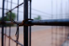 在建造场所的特写镜头钢缆 库存图片