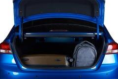 在开放现代车厢的袋子 免版税库存图片