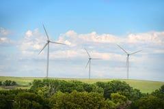 在开放领域的风轮机 免版税图库摄影