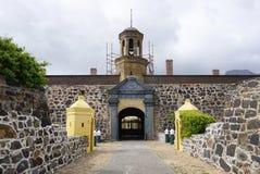 在开普敦入好希望遗产城堡的门  免版税库存照片