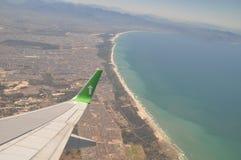 在开普敦海岸线南非的飞行 免版税图库摄影